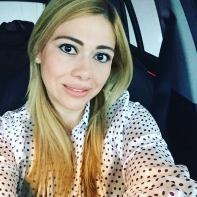 Yinella A.
