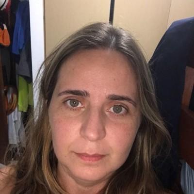 Helena R.