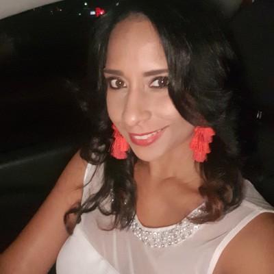 Yesenia D.