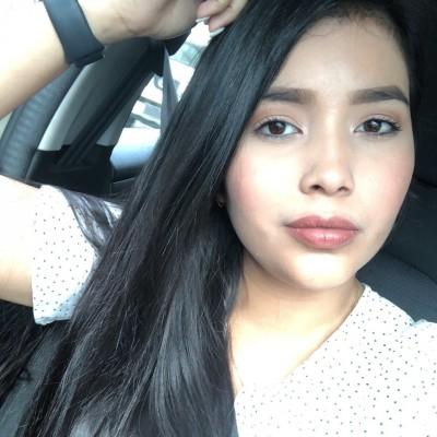 Maria Laura M.