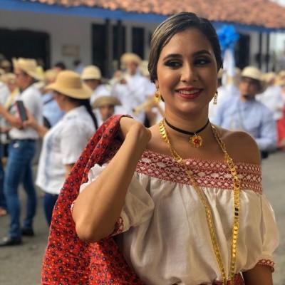 Paola F.