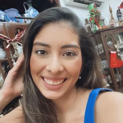 Ana Isabel R.