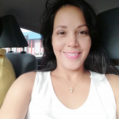 Melina G.