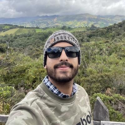Mounir R.