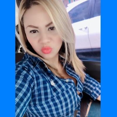 Maryanela G.