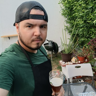 Roberto R.