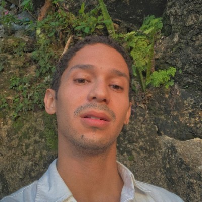 Marcos V.