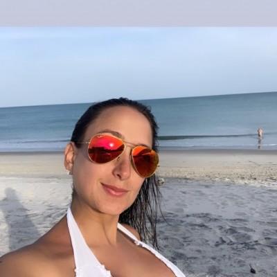 Ana Cristina G.