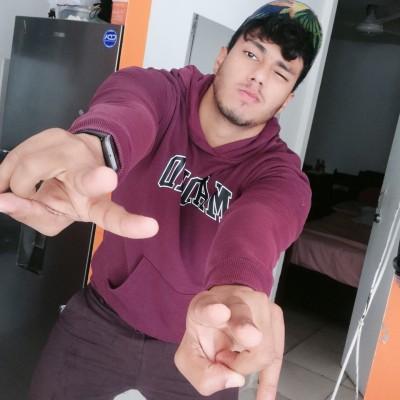 Brayan R.