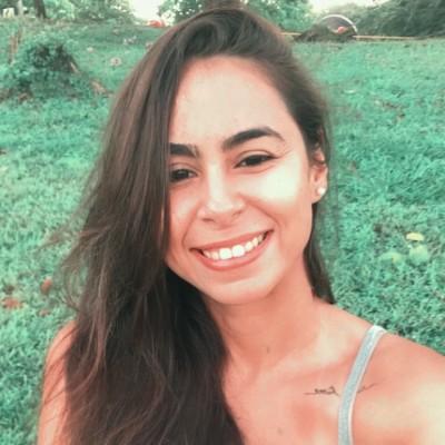 Mayara C.