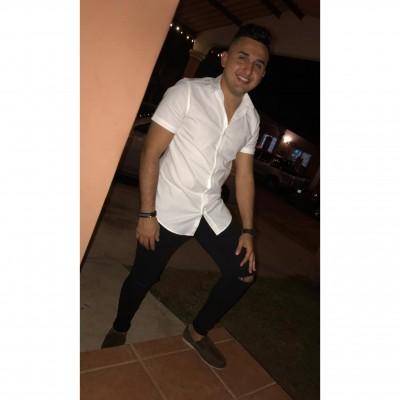 Alcides B.