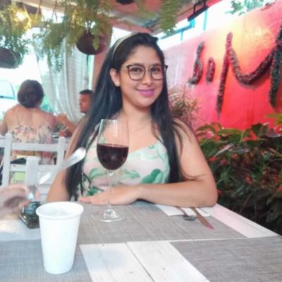 Mariaelena R.