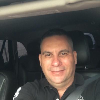 Jorge M B.