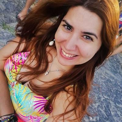 Ana Carolina A.