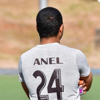Anel V.