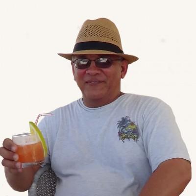 Héctor Simón R.