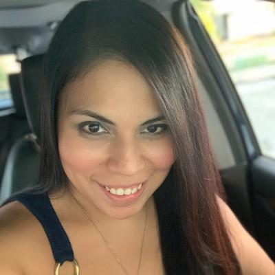 Yazmina B.