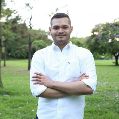 Daniel Esteban   .