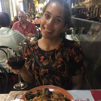 Maria Laura O.