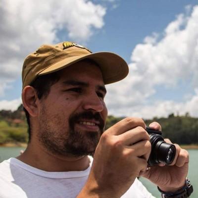 Alberto L.