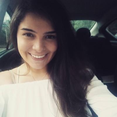Maria Paula L.