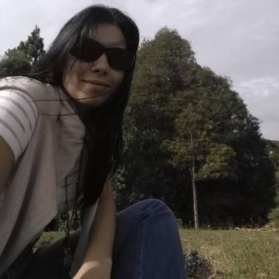 Ana Cristina L.