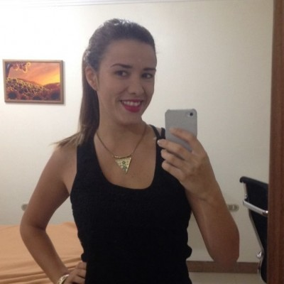 Yessenia D.